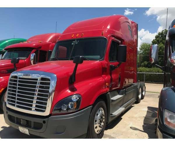2015 Freightliner Cascadia Evolution in TX