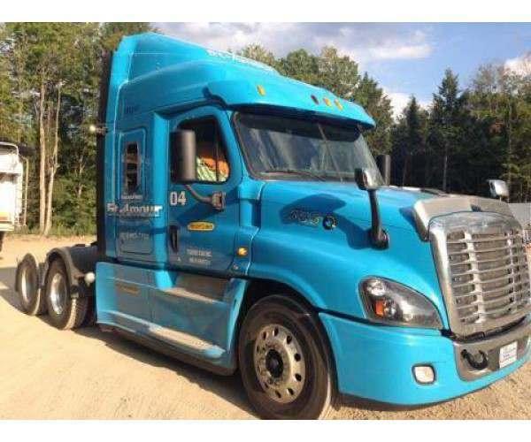 2015 Freightliner Cascadia 2