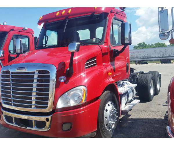 2014 Freightliner Cascadia Day Cab7