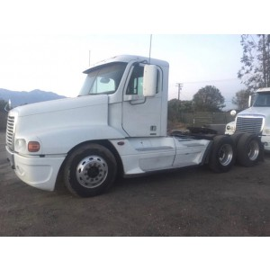 2006 Freightliner Century Day Cab in CA