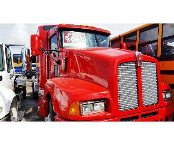 2005 Kenworth T600 1