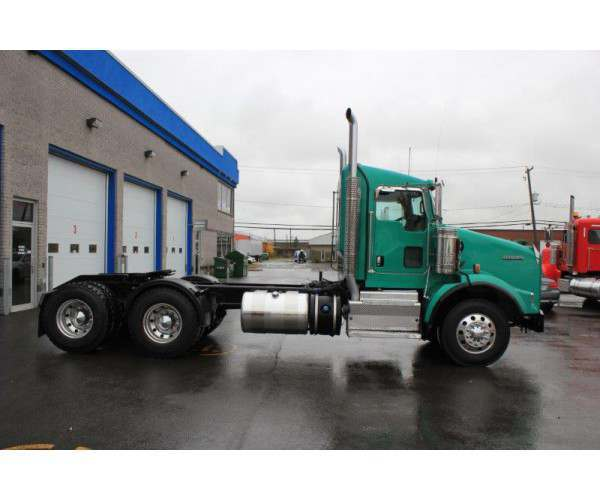 2014 Kenworth T800 Day Cab 12