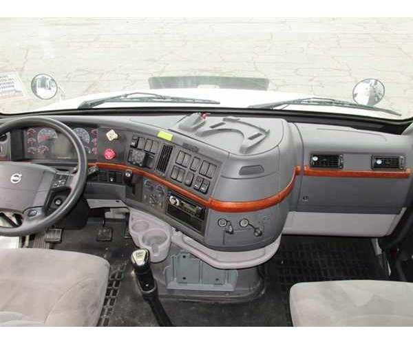 2011 Volvo VNL 630 2