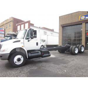 2009 International 4400 Day Cab