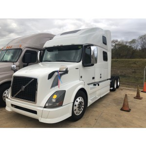 2015 Volvo VNL 780 in MO