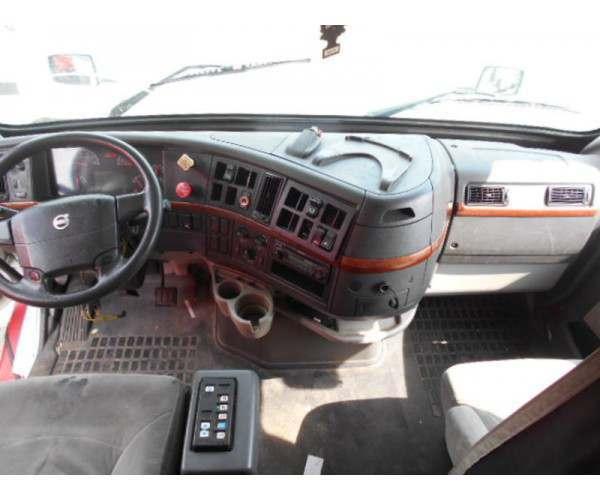 2008 Volvo VNL 670 in IL
