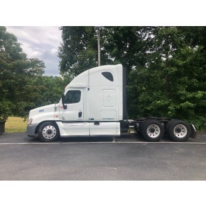 2010 Freightliner Cascadia in NC