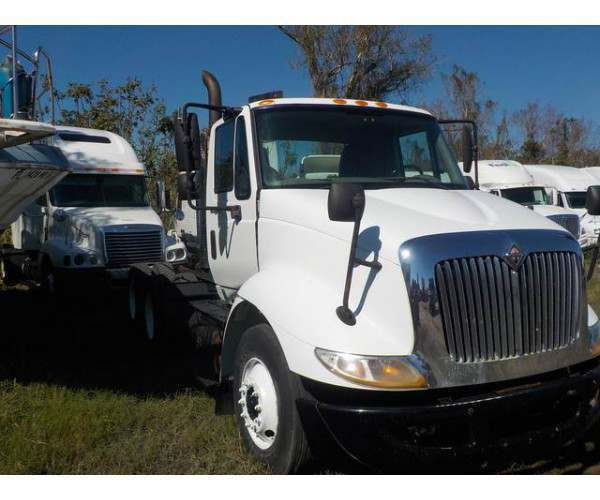 2009 International 8600 Day Cab 10
