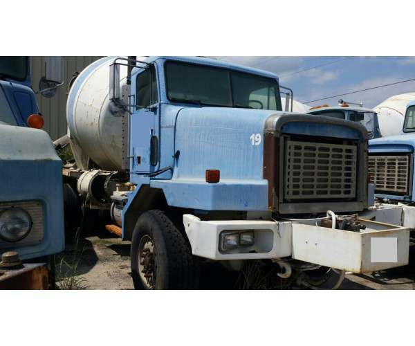 2000 Oshkosh Mixer Truck in FL