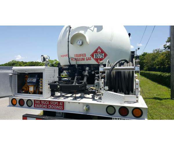 2006 International 4300 Propane Delivery Truck 4