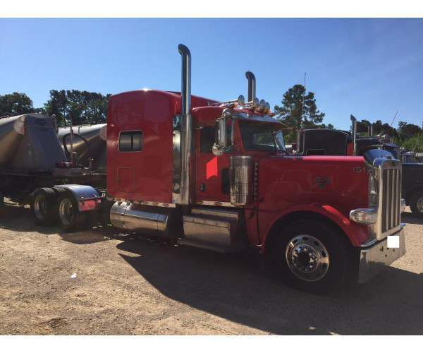 2012 Peterbilt 389 sleeper with cummins isx, 18 spd manual in Texas, wholesale, ncl truck sales