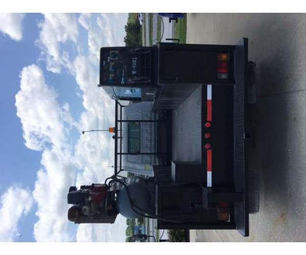 2005 Isuzu NPR Box Truck 6