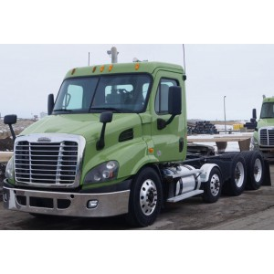 2014 Freightliner Cascadia Day Cab in MN
