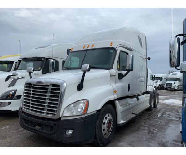 2014 Freightliner Cascadia in Canada