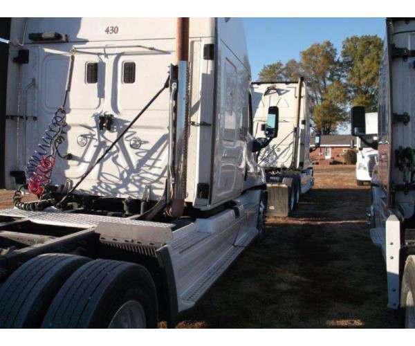 2014 Freightliner Cascadia 1