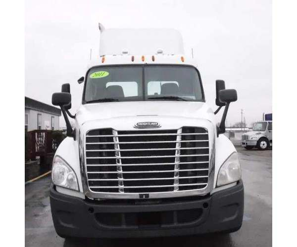 2011 Freightliner Cascadia Day Cab in MA