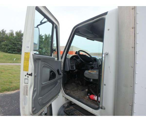 2002 International 4300 Dry Van Truck in MO