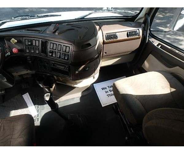 2012 Volvo VNL64T670 2