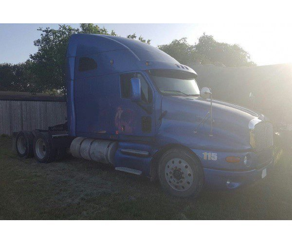 2005 Kenworth T2000 1