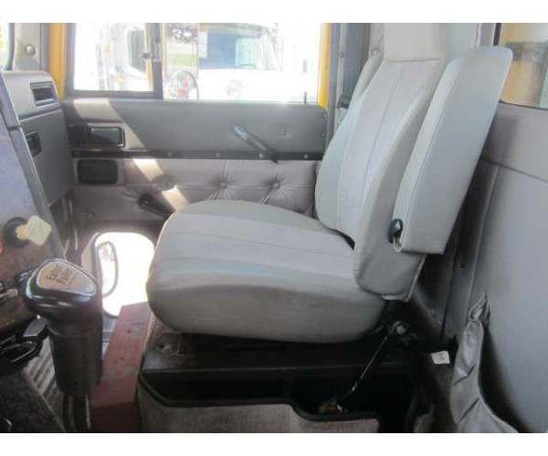 1998 International 9200 Day Cab8