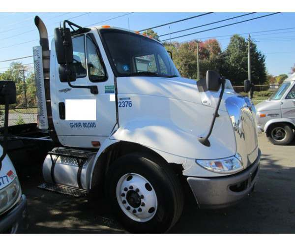 2011 International 8600 Day Cab 2