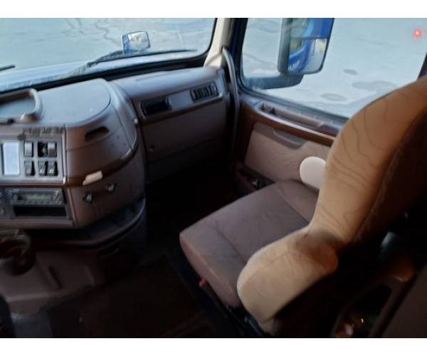 2014 Volvo VNL 780 in Canada