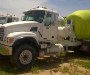 2003 Mack CV513 Mixer Truck 2