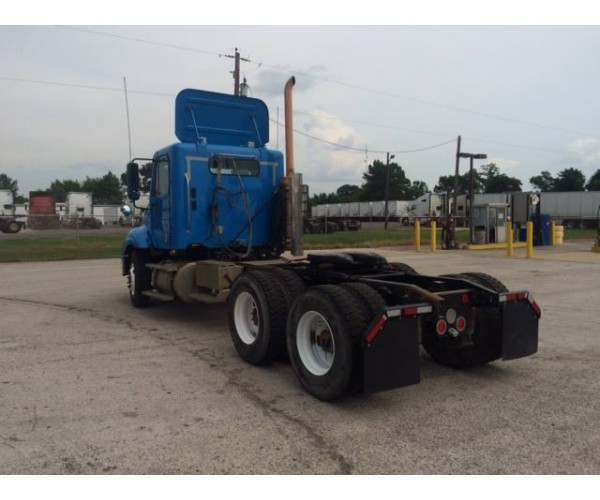 2009 Freightliner Columbia Day Cab 1
