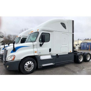 2015 Freightliner Cascadia in AR