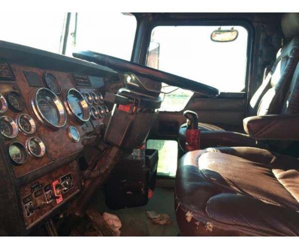 2000 Kenworth C500B winch truck