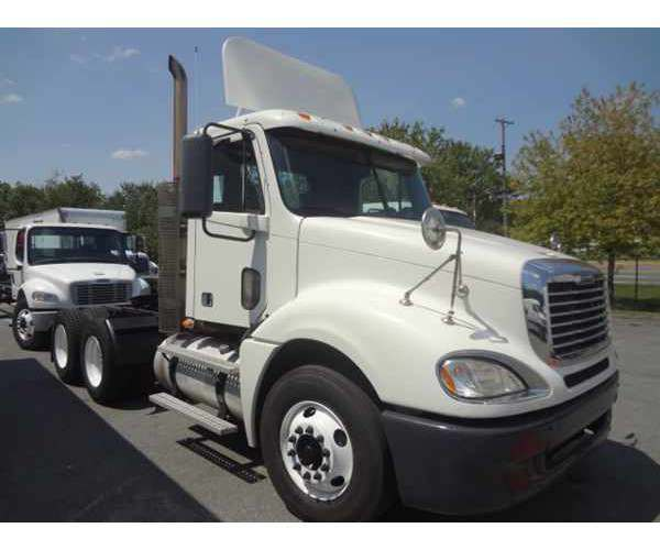 2008 Freightliner Columbia Day Cab5