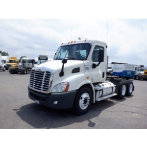 2012 Freightliner Cascadia Day Cab in MN