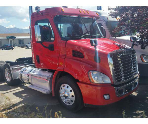 2014 Freightliner Cascadia Day Cab3