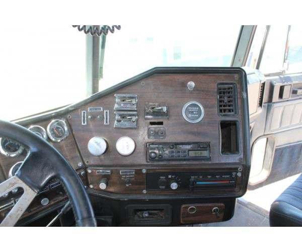1997 Freightliner FL120 Day Cab 3
