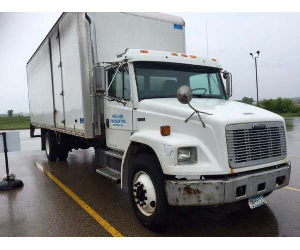 2002 Freightliner FL70 box truck in Wisconsin, wholesale truck deal, NCL