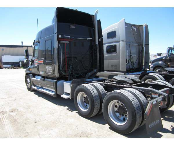 2013 Freightliner Cascadia in ND