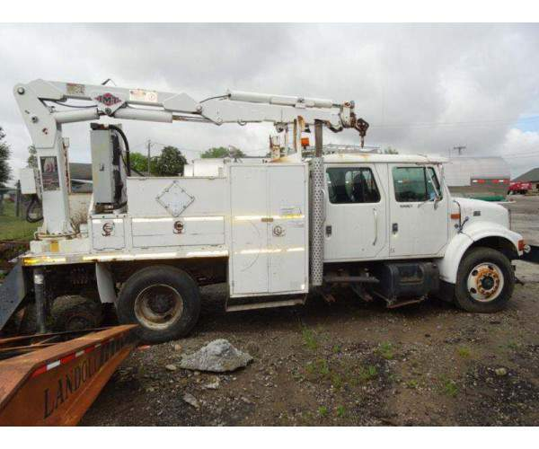 1998 International 4900 Knuckleboom Crane 8