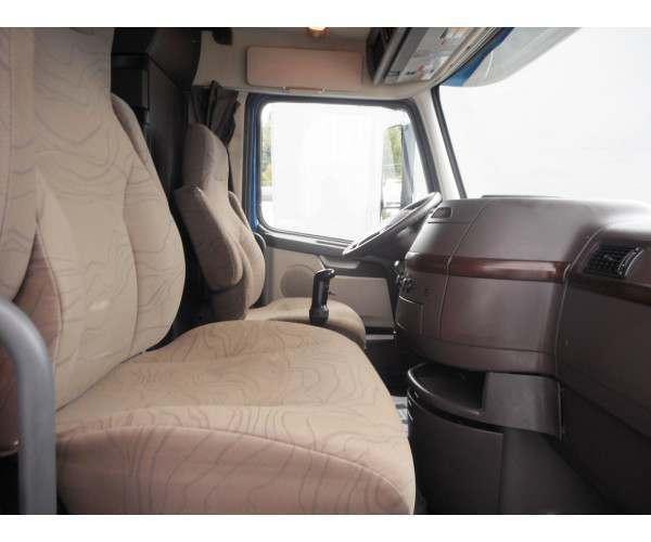 2013 Volvo VNL 780 8