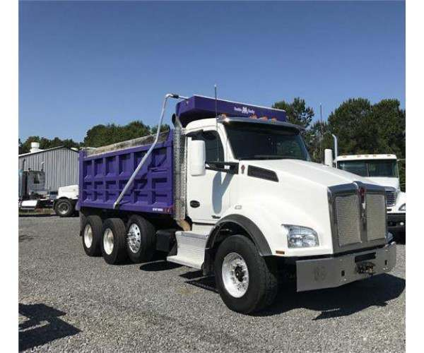 2015 Kenworth T880 Dump Truck6