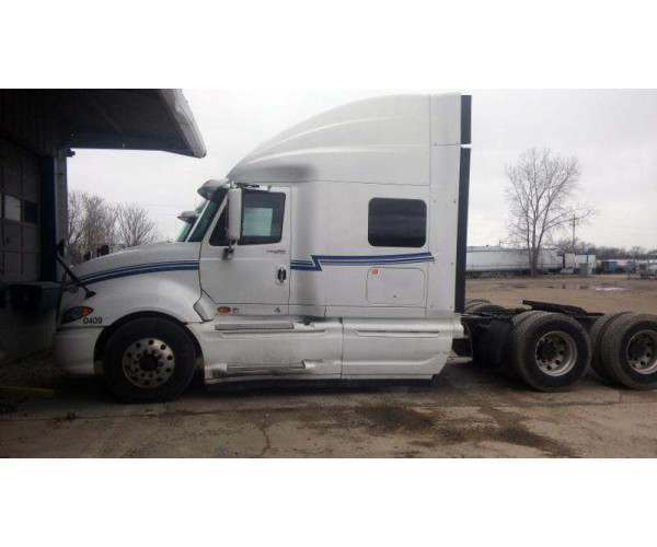2009 International Prostar sleeper, Cummins ISX, 10 speed manual