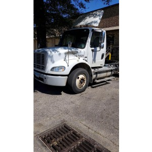 2009 Freightliner M2 Day Cab in TN