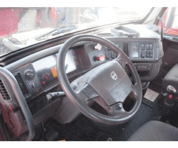 2012 Volvo VNL64T330 Day Cab 4