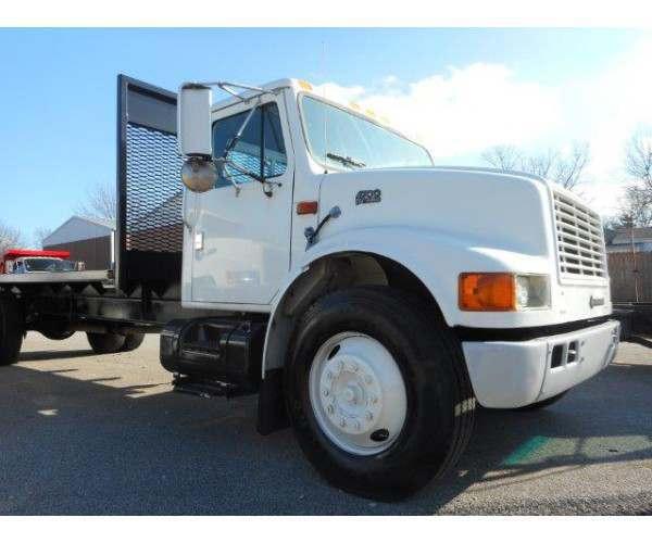 1997 International 4700 Flatbed Truck3