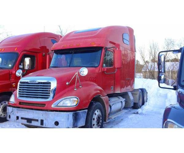 2008 Freightliner Columbia 2