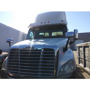 2011 Freightliner Cascadia Day Cab in GA