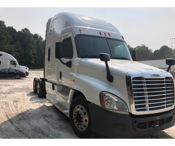 2014 Freightliner Cascadia in AL