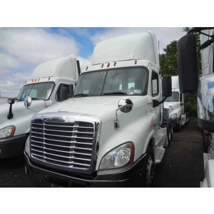 2014 Freightliner Cascadia Day Cab in MD
