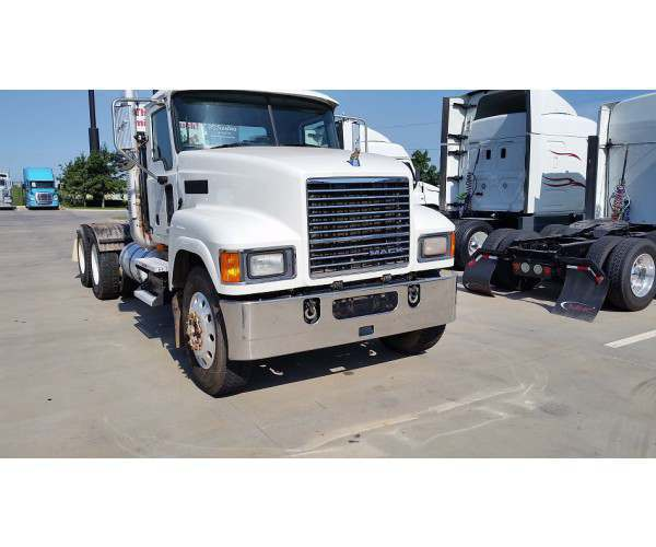 2010 Mack PINNACLE CHU613 2