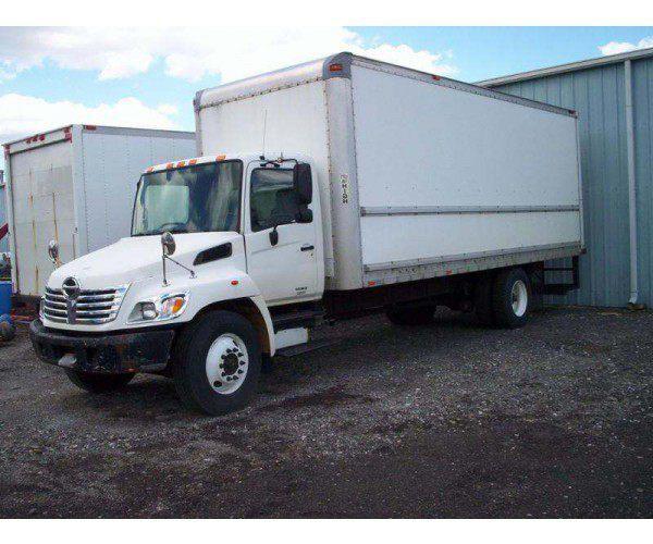 2007 Hino 258 Box Truck