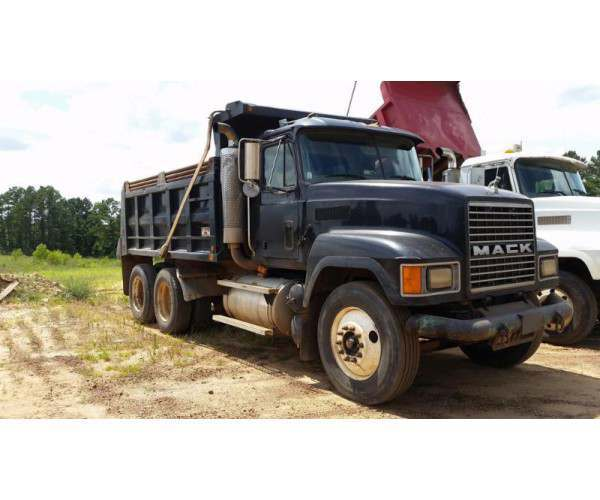 2003 Mack CH613 dump truck